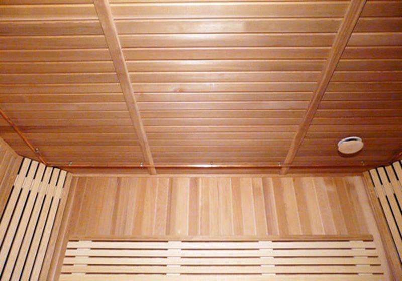 Как сделать потолок в бане в парилке