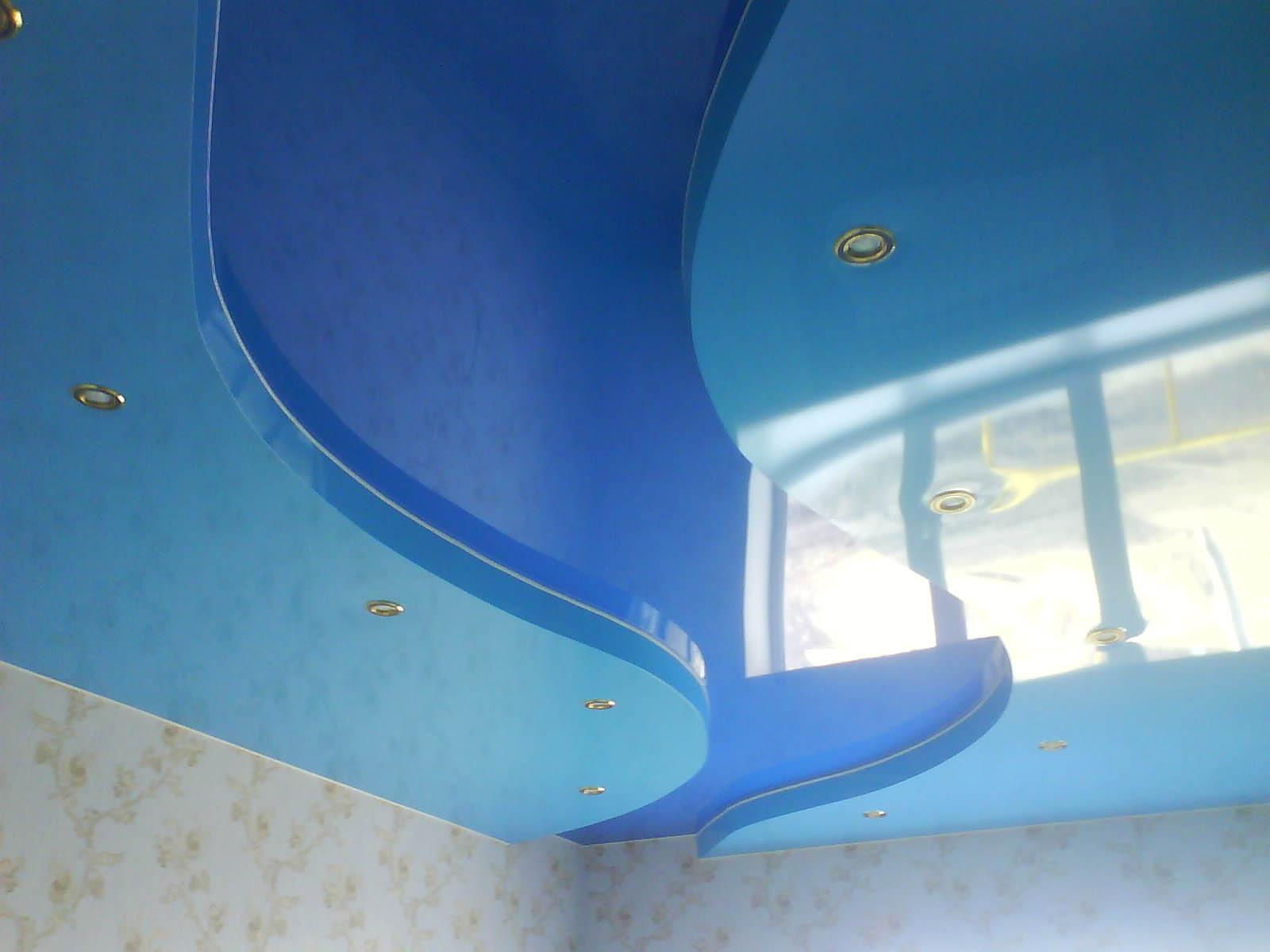 1511962657 foto dinskaya6 - Двухцветные натяжные потолки в интерьере - тонкости подбора и лучшие примеры